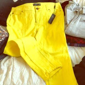 Kardashian jeans brand new size 16